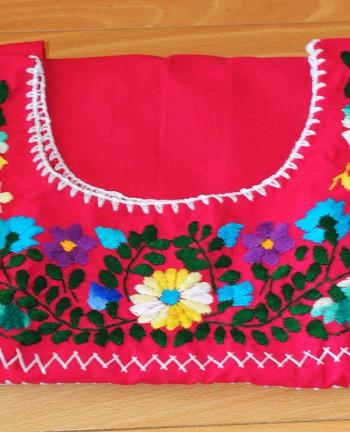 Tienda Elena - Blouse Tehuacan brodée - fushia - manches droites - artisanat mexicain - Fait main - hecho en Mexico - style bohème chic - hippie