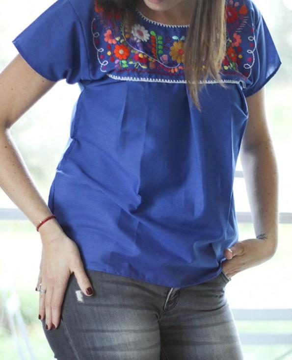 Tienda Elena - Blouse mexicaine bleue - Tehuacan brodée - bleu roi - manches droites - artisanat mexicain - Fait main - hecho en Mexico - style bohème chic - hippie