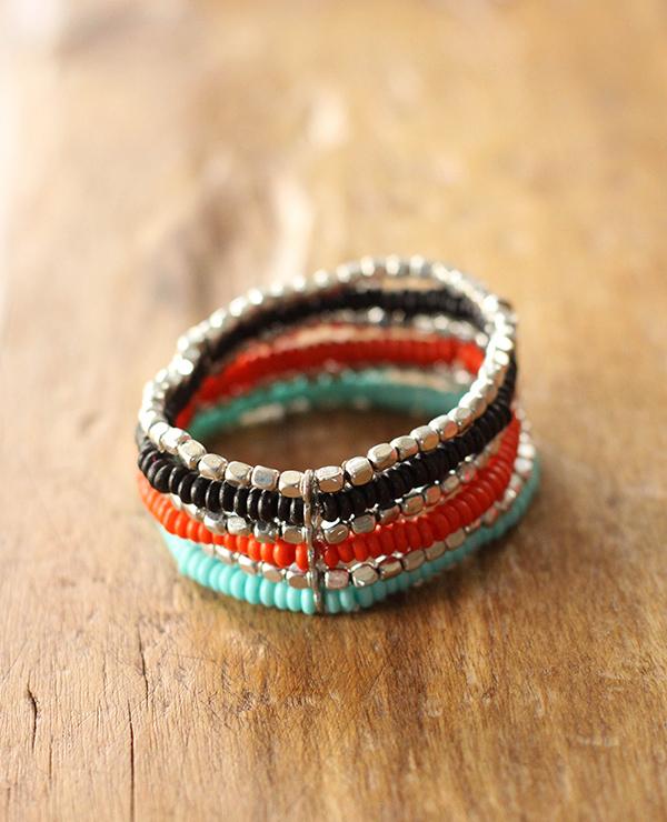 Manchette Michuacan - 1 - Tienda Elena - perles naturelles - bleu, corail, noir et argenté - bijou ethnique - bohème chic - indian spirit