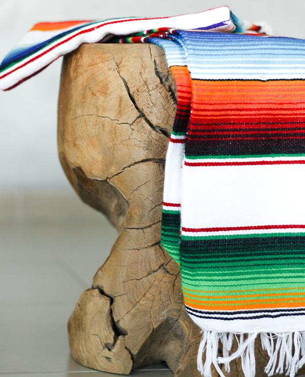 Tienda Elena - Sarape mexicain blanc - couleur principale blanc - Décoration et artisanat mexicain - Fait main - Hecho en Mexico