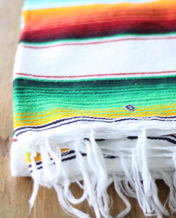 Tienda Elena - Sarape couleur principale blanc - Décoration et artisanat mexicain - Fait main - Hecho en Mexico - 2