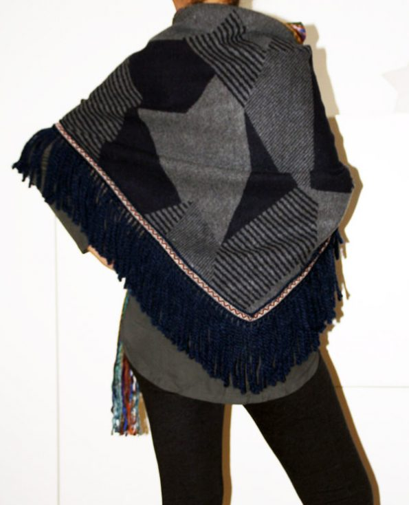 Tienda Elena - Mode et inspiration mexicaine - cape courte - 2 - mode bohème chic - ethnique