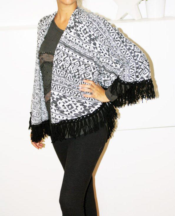 Tienda Elena - Mode et inspiration mexicaine - gilet Noir & Blanc - 3 - mode bohème chic - ethnique
