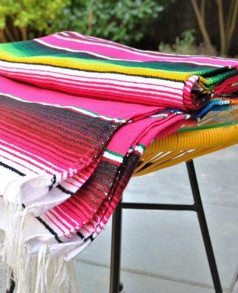 Tienda Elena - Couverture mexicaine fushia - Sarape fushia - couleur principale fushia - Décoration et artisanat mexicain - Fait main - Hecho en Mexico - 1