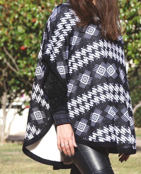 Tienda Elena - Poncho noir et blanc - mexique - hecho en mexico - esprit bohème - tendance - mode - 1