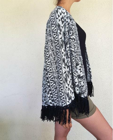 Tienda Elena - Mode et inspiration mexicaine - gilet inca - Noir & Blanc - mode bohème chic - ethnique - 2