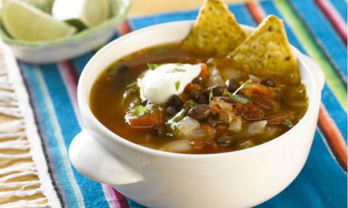 Tienda Elena - soupe mexicaine aux haricots noirs - blog - recette mexicaine - manger sain
