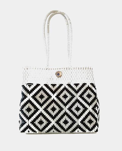 sac cabas mexicain tiss ethnique chic blanc et noir tienda elena mode et inspiration mexicaine. Black Bedroom Furniture Sets. Home Design Ideas