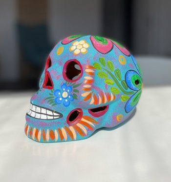 Crâne mexicain en céramique bleu ciel mat - Tienda Elena - Déco du Mexique