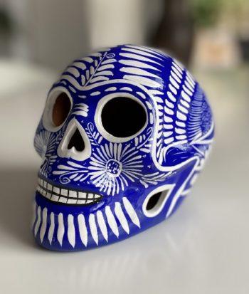 Crâne mexicain en céramique blanc et bleu - Tienda Elena - Déco du Mexique